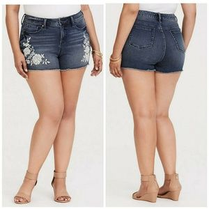 Torrid Shorts Embroidered High Rise 16W